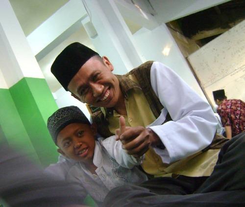 Aku dan Anwar di Acara Buka Puasa Bersama di SMP Negeri 2 Jombang