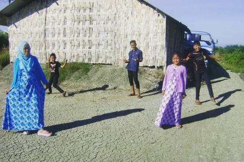 Jalan-jalan ke perkampungan nelayan Sidoarjo