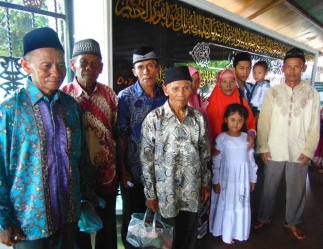 Ziarah Wali Limo Keluarga Besar Bani Karso di Makam Sunan Bonang Kota Tuban