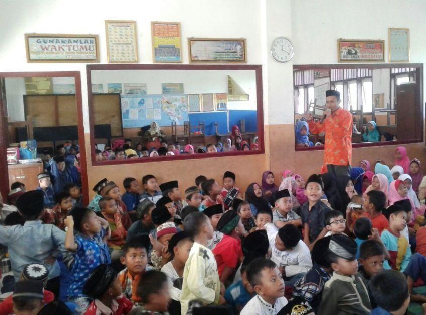 Tebar Motivasi Islami pada Perayaan Hari Raya Idul Qurban di SDN Kedungpari 1 Tahun 2017
