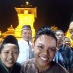Keramaian Malam Hari di Sekitar Area Wisata Menara Kudus Jawa Tengah