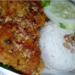 Kuliner Nasi Ayam Geprek dan Lalapan Sambel Pencit Khas Jombang