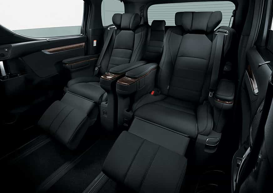 Desain interior mobil Toyota Alphard yang mewah - Gambar diambil dari Toyota.Astra.co.id