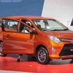 Gambar Mobil Toyota Calya Warna Orange Metalic - Gambar diambil dari Tokopedia.com